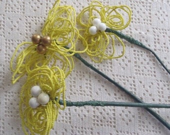 Vintage Flowers 3 Yellow Glass Beaded Stems