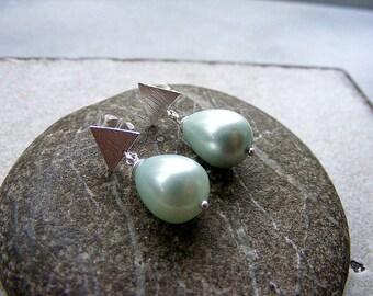 Mint pearl earrings, pearl stud earrings, mint green earrings, green pearl studs, mint earrings, mint silver studs, mint studs, silver studs