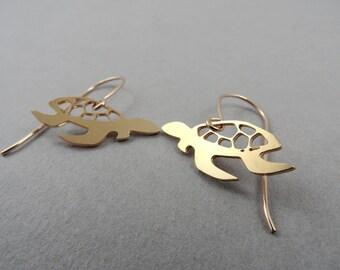 sea turtle, turtle earrings, sea turtle earrings, turtle jewelry, animal jewelry, gift under 50