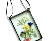 Stained glass pressed flower suncatcher, garden flowers for Mom, gift under 30, pressed flower art, glass suncatcher, green thumb gift
