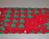 Crocheted clutch purse in red and green with poinsettias gold beads and button closure//gift for her//make-up case//Christmas gift//purse