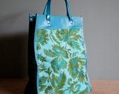 30% off sale// Vintage 70s TAPESTRY Teal Green Tote Travel Bag