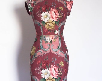 UK Size 8 Burgundy Sanderson Floral Darted Bodice Pencil Dress - Made by Dig For Victory