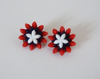 1960's Daisy clip on earrings