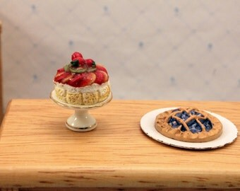Miniature Food Dollhouse Dessert Cake Blueberry Pie