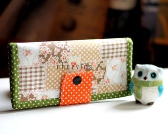 Shabby chic wallet,  womens wallet, fabric wallet, gift ideas, credit card holder, zipper wallet, credit card case, green wallet