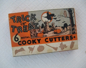 6 Metal Vintage Halloween Cookie Cutters, Original Box