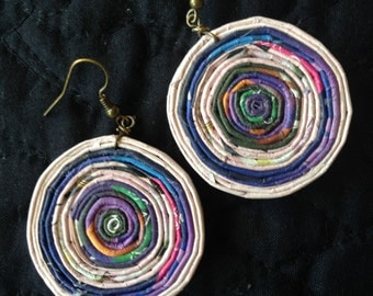n. 15 PURPLE & PINK large Round coiled recycled paper pierced earrings
