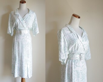 Vintage 80s Dress, Rayon Dress, White and Mint Green Swirl Dress, Short Sleeve Dress, Surplice Neckline Dress, 1980s Dress, Medium