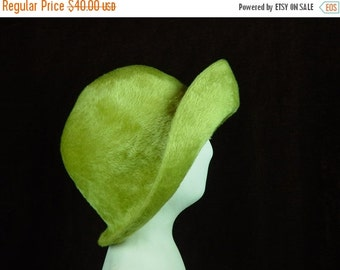 40% OFF 60s Hat Lime Green Vintage 1960s Peck & Peck Hat Switzerland Small 21""
