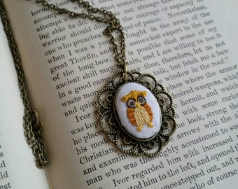 Embroidered owl pendant necklace
