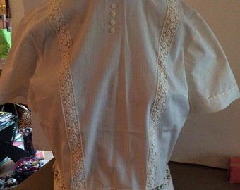 Vintage 1950s Blouse White Floral Trims Small Size