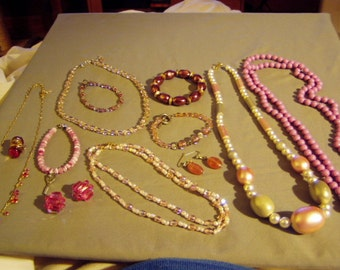 Vintage Lot Pink Lavender Glass Bead Costume Jewelry 5 Necklaces 4 Bracelets 3 Earrings 8417