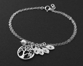 Mother Wife Gift,Custom Stamped Bracelet, Silver Tree Bracelet, Monogram Initial Leaf Bracelet, Family Tree Bracelet, Family Jewelry