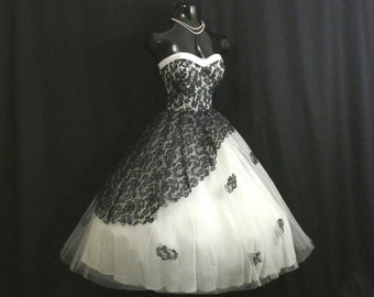 RESERVED*** Vintage 1950's 50s STRAPLESS Black Lace White Tulle Circle Skirt Party Prom Wedding DRESS Gown