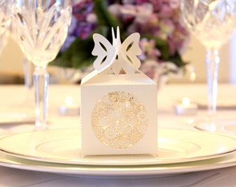 Set of 30 - Laser Cut Floral Garden Flowers White Wedding Favor Gift Box - Great for Showers and Weddings!