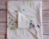 Vintage CALAPRINT Tablecloth /  Purple Floral / Vintage Linens