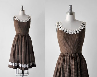 50's brown dress. full skirt. 1950's small dress. white leaf. sleeveless. 50 swiss dot dress. xs.