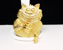Cat with a Rat Pin - J.J. Kitty Cat with Cheesy Grin and Dangling Mouse by Tail - Goldtone Brooch - Designer Signed J.J. Vintage Figural