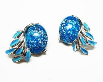 Turquoise Glitter Earrings - Clip on Earrings with Enamel Blue Leaves - Turquoise Blue Lucite - 1950's Mid Century Modern