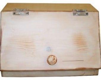 Primitive Country Bread Box