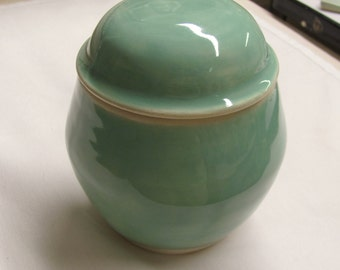 Pet Urn Ceramic Lidded Jar 24 Ounce Pottery Ceramic Urn Stoneware Turquoise Pottery Pet Urn