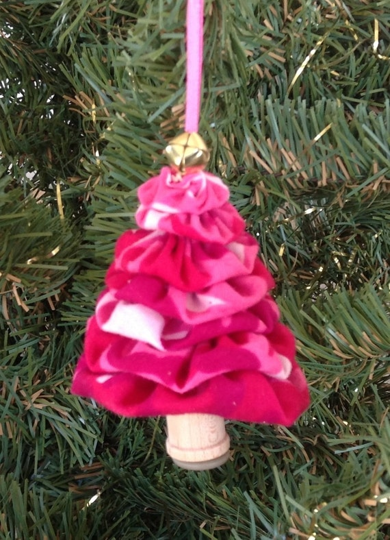 Primitive Pink Camo Yo-Yo Christmas Tree by DoubleACreations