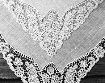 Vintage White Wedding Hankie Handkerchief Floral Lace Bridal Hankie Handkerchief Handkerchief Dainty Something Old Keepsake