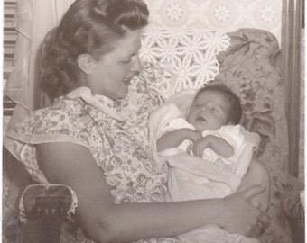 Mother and Child - Vintage Photograph - Ephemera - Vernacular - Found Photo (A)