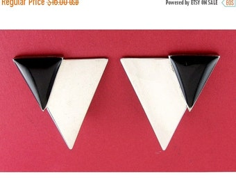 Vintage 1980s Chrome & Black Enamel Triangle Earrings - Clip On