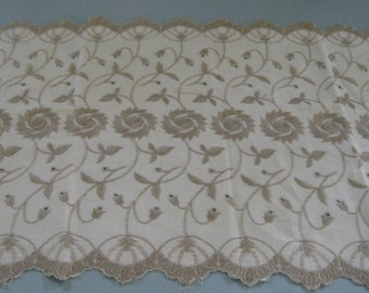 Table Runners / Vintage Set of Two / Embroidered Table Runners / Vine and Flower Motif