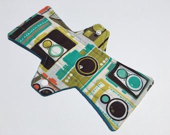 10 Inch Cloth Menstrual Pad Regular Flow Cameras