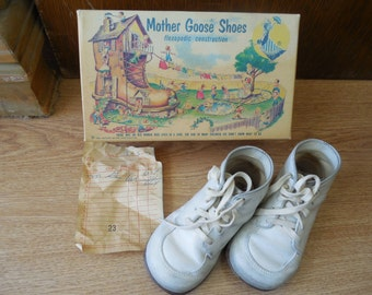 Vintage MOTHER GOOSE SHOES Child's Leather Shoes in Orig Box