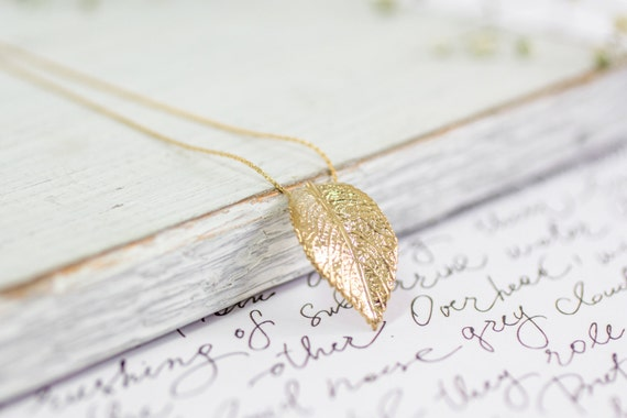 Gold Pendant Necklace, Leaf Necklace, Bridesmaid Jewelry, Gold Leaf Necklace, Women's Gift, Unique Bridesmaid Jewelry, Everyday Necklace