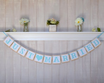 Just Married Banner - Paper Banner - Customizable Wedding Paper Garland - Custom Colors - Sweetheart Table Decor - Wedding Photo Booth Prop