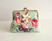 Lovely floral frame purse - green Japanese fabric. floral bouquet. novelty. beautiful pattern.