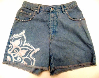 Studded High Waisted Shorts With Mandala Size 8