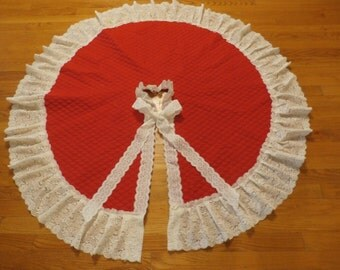 Holiday Christmas Red Quilted fabric with Cream Lace Trim--50 inches diameter