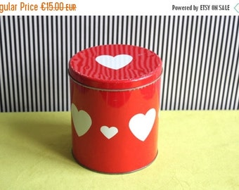 Summersale Vintage Red Tin Canister with Heart Pattern