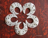 Bali Boho Double Horn Carved Bone Round Pendant Bead 30mm Filigree Style