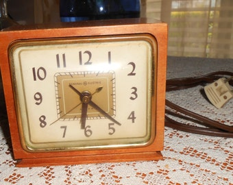"Mid Century 1954 ""GE"" General Electric Loud Alarm Clock"