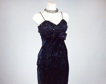 90's Black Crushed Velvet with Bow and Sequin Bust Mini Babydoll Dress // S