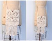 vintage 70s hippie macrame crossbody purse / Bohemian - ivory fringe & wooden beads / 1970s woven handbag - handmade crochet bag