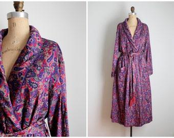 burgundy wine paisley print ladies robe - paisley smoking robe / Lord & Taylor robe - soft rayon and brushed cotton / tassel belt