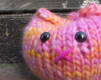 hand knit kitty // stuffed cat toy // knit pink cat