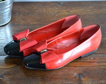 Jacqueline Ferrar Red Leather Women's 5M Flat Heel Shoes / Squared Toe