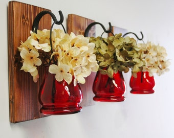 Color hanging pots, wall decor, country decor, farmhouse chic, colored glass jars, hydrangea flowers, summer, spring home decorating
