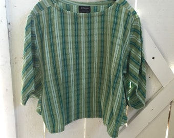 Perfect 1970s vintage Guatemalan super soft weaved gauzy cotton dolman sleeved top xs-m