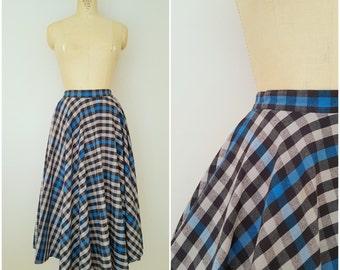 Vintage Long Plaid Skirt / Blue Grey White Checks / 1980s Skirt / Long Skirt / 1970s Skirt / Small Medium