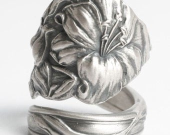 Easter Lily Ring, Flower Spoon Ring Sterling Silver, Antique Spoon Ring ca 1903, Chunky Ring, 5th Wedding Gift, Adjustable Ring Size (6044)